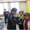 平成28年4月11日(月) 泉川公民館 ヘルメット着用方法指導